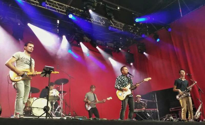 band-2016