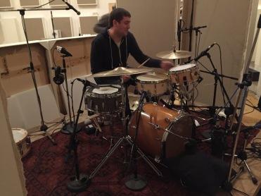 Yannick is nog steeds aan het drummen